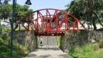 parque amistad surco lima peru bridge