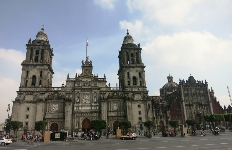 mexico-city-cathedral-zocalo-plaza