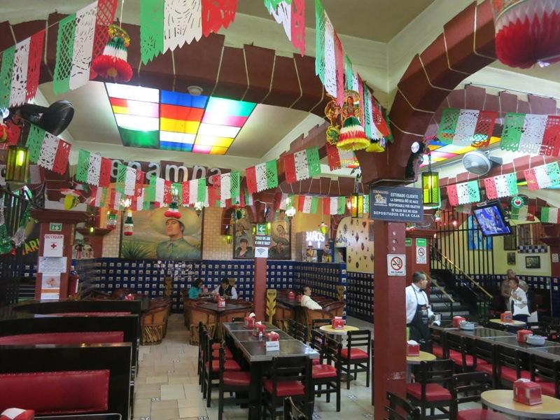 mexico-city-plaza-garibaldi-restaurant-tenampa