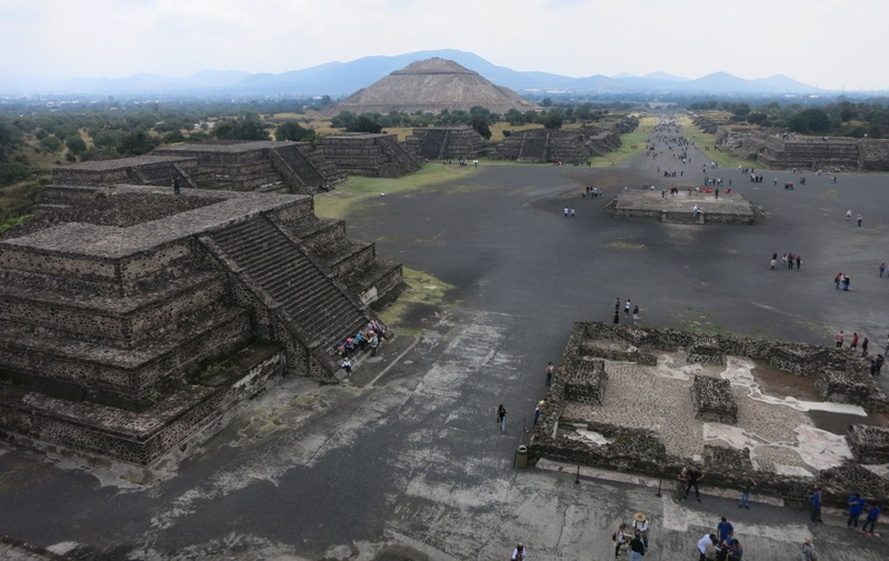 mexico-city-teotihuacan-aztec-pyramids