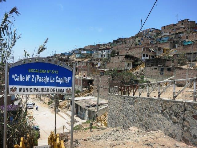 villa-salvador-lima-shantytown-slum-mountain-poverty-peru-52